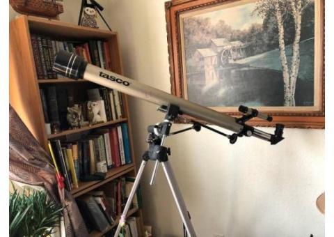 Tasco 675x60mm Luminova Achromatic Refractor Telescope & Manual Equatorial Mount. See Pix for De