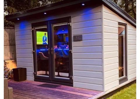 Outdoor Bar & Deck
