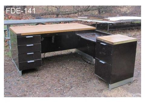 OFFICE DESK, METAL, SINGLE PEDESTAL, W/ RETURN, DK BROWN/CHROME W/ FAUX WOODGRAIN FOR
